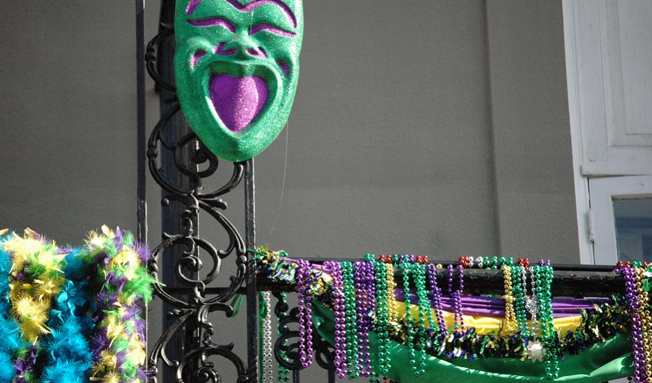 Mardi Gras Beads – The Throws and Its History